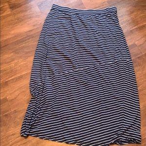 SUPER COMFY maxi skirt!
